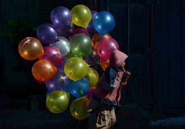 nen-ven-globus-carrers-Kabul_2006209595_53426430_766x533